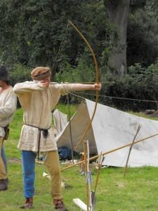 Mediaeval_archery_reenactment